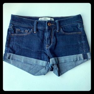 Abercrombie & Fitch low rise cuff shorts 00
